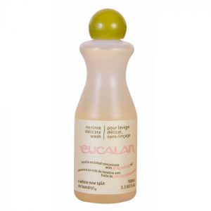 Skalbiklis Eucalan Grapefruit Delicate priemone mezginiu prieziurai